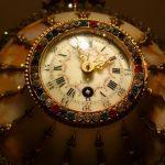 宝石取巻大理石飾置時計